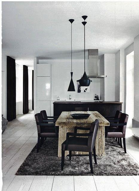 Reforma cocina moderna lacada en blanco, suelo de parquet y una ...