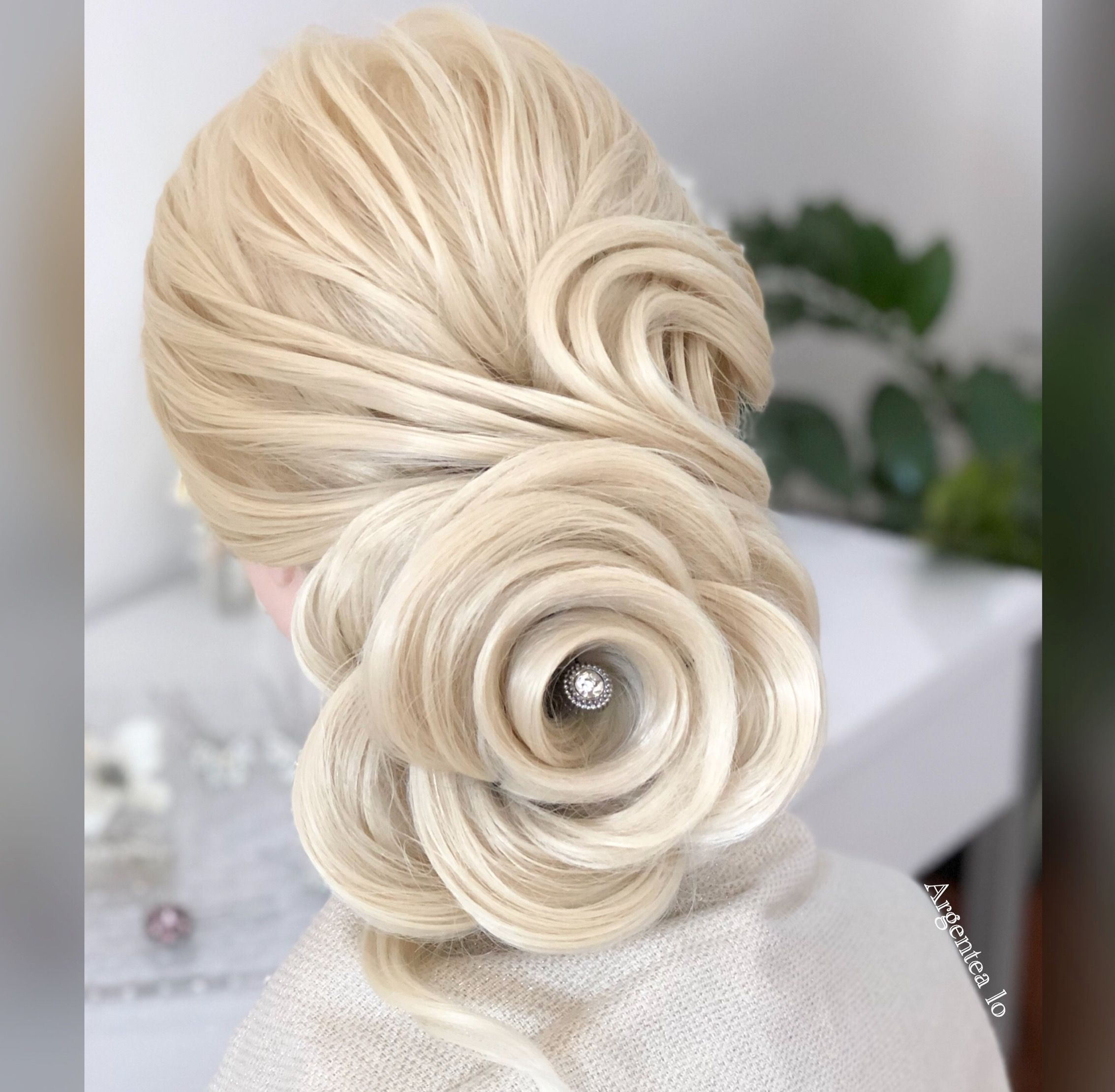 Idea Wedding Hairstyle with Rose ♥ If you like comment with and ...