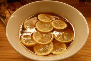 【東京・江東区】ラーメン一杯にレモン1個分のビタミン C!-話題の「レモンラーメン」の行列は今なら何分待ち?