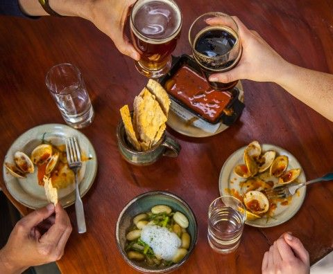 $20 DINER | Six D.C. area brewpubs where the bites complement the sips, and vice versa.