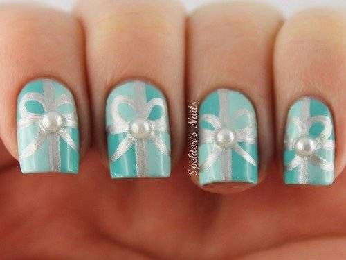 Mint Green Christmas Gift Nails With Pearls Cute Christmas Nails Christmas Nail Designs Christmas Nails