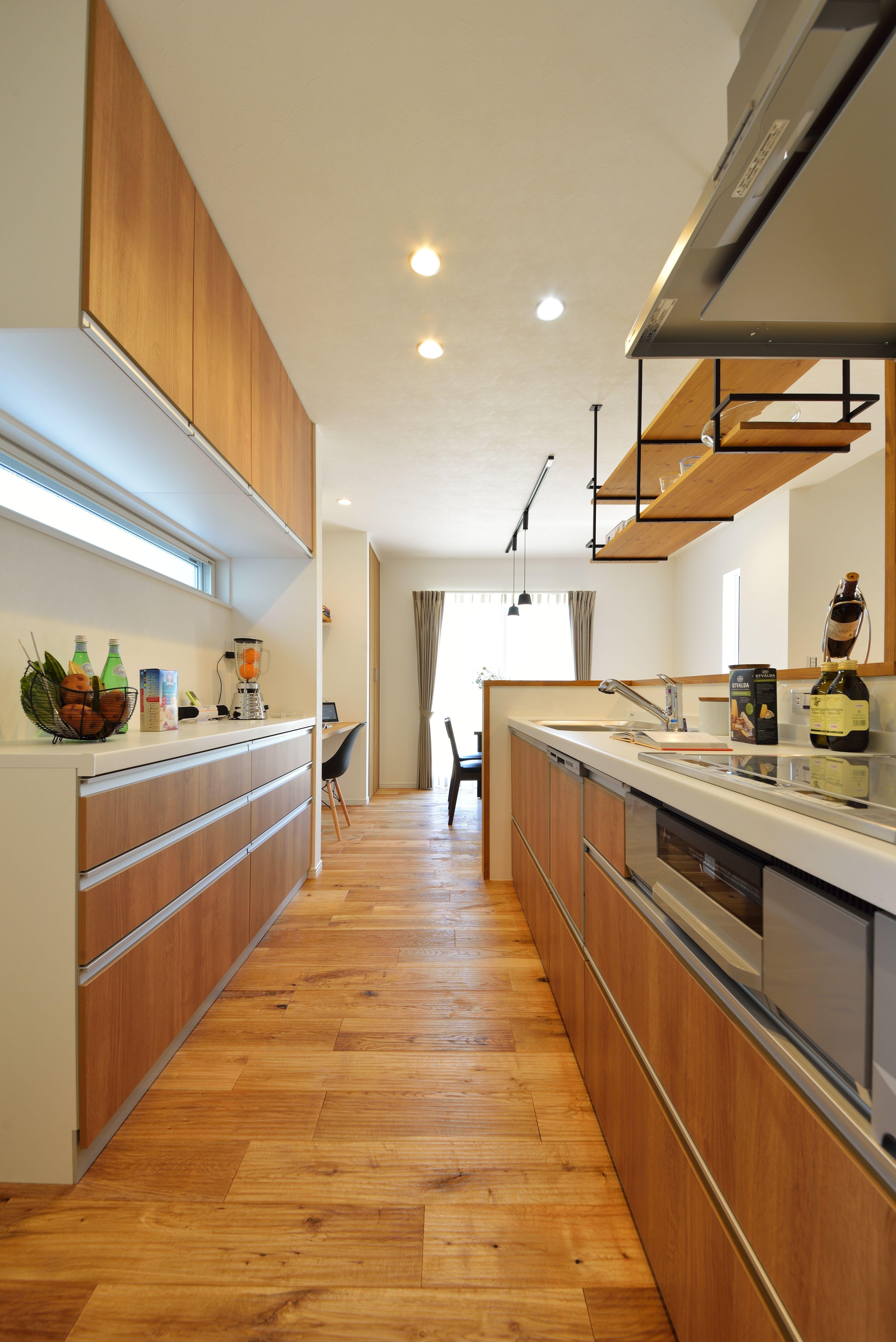 キッチン 周遊型キッチンとすることで 配膳 家事作業の負担を軽減