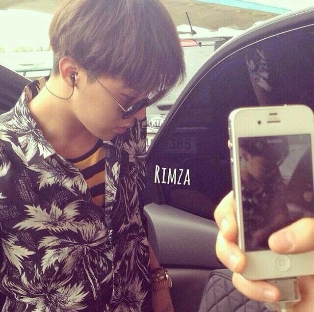 G-Dragon @ Gimpo Airport to Busan