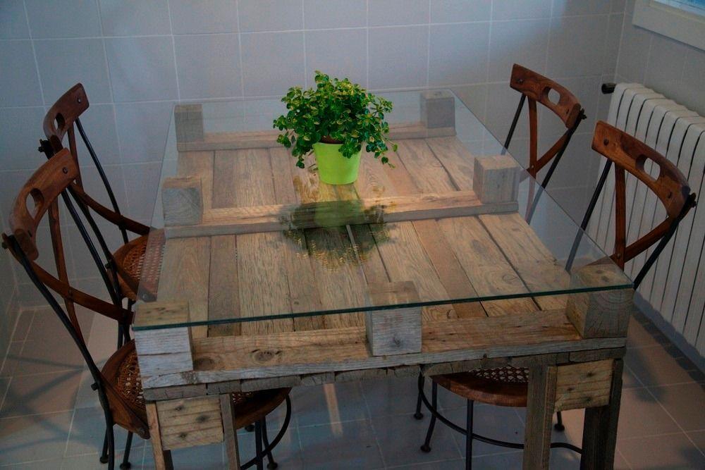 Mesa de comedor con vidrio muebles con palets for Mesa comedor vidrio