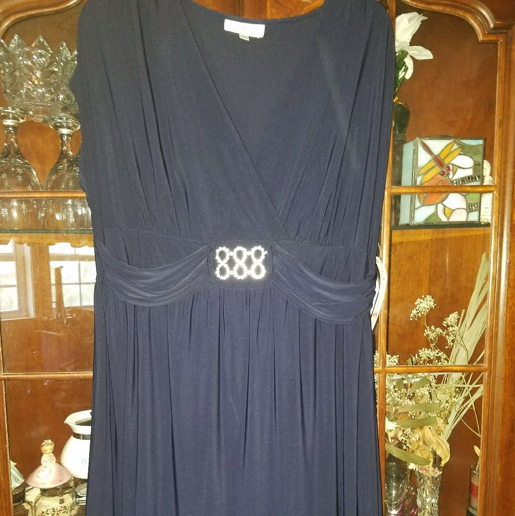 Ladies /Evening/Wedding Dress
