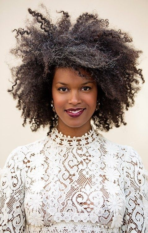 12 Natural Black Wedding Hairstyles For The Offbeat And On Point Offbeat Bride Cheveux Cheveux Crepus Cheveux Afro