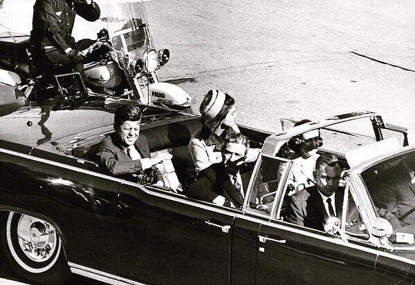 #Foto del 35 #PresidenteDeUSA #JohonFKenndy en #Dallas #Texa #USA el 22 de noviembre de 1963 antes del #Magnicidio Twitter
