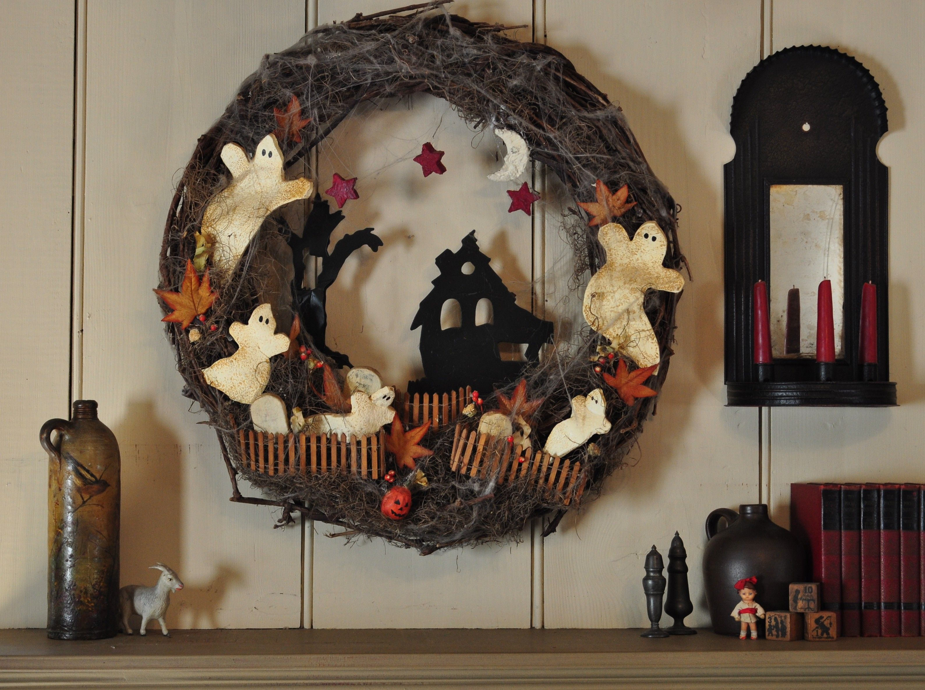 Happy Halloween---primitive style I made this wreath 18 years ago - Primitive Halloween Decor