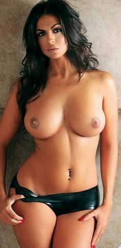 perfect nude brazilian women