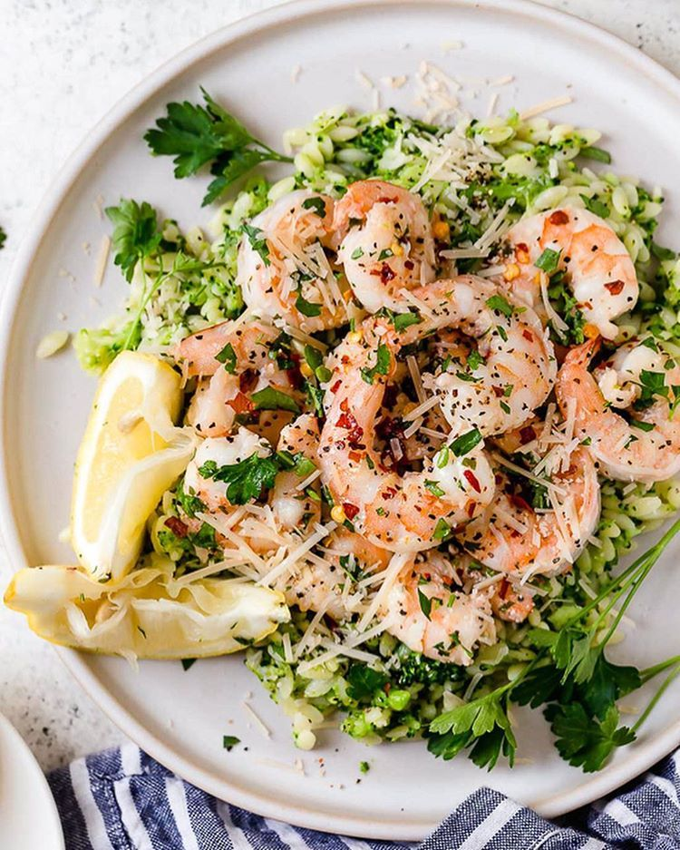 30 Easy Shrimp Recipes For Weeknight Dinners: Shrimp Scampi With Broccoli Orzo For The Weeknight Dinner