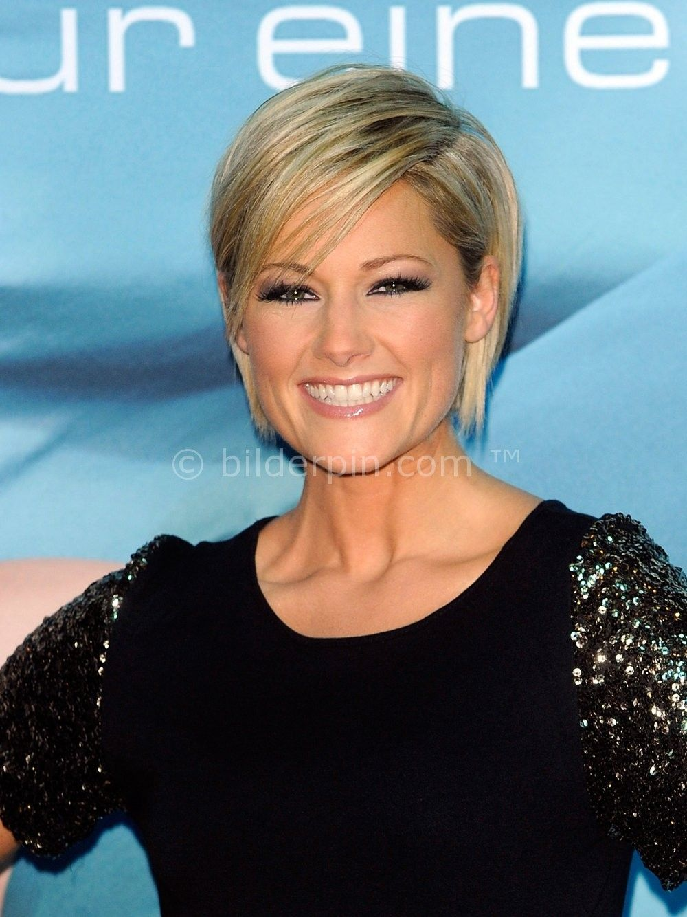 helene fischer frisur kurze oder lange haare. Black Bedroom Furniture Sets. Home Design Ideas