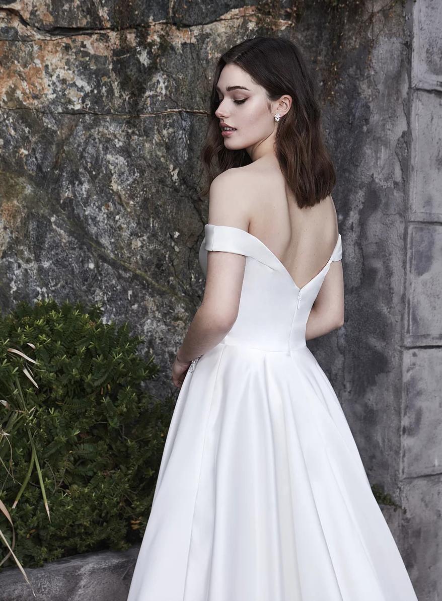 Find dress Pearl at Avancy Bridal. Phoenix, Arizona. (623
