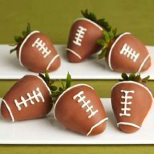 Snack: Chocolate Covered Strawberry Footballs Super Bowl treats or football birthday party theme. Adorable and healthier.Super Bowl treats or football birthday party theme. Adorable and healthier.
