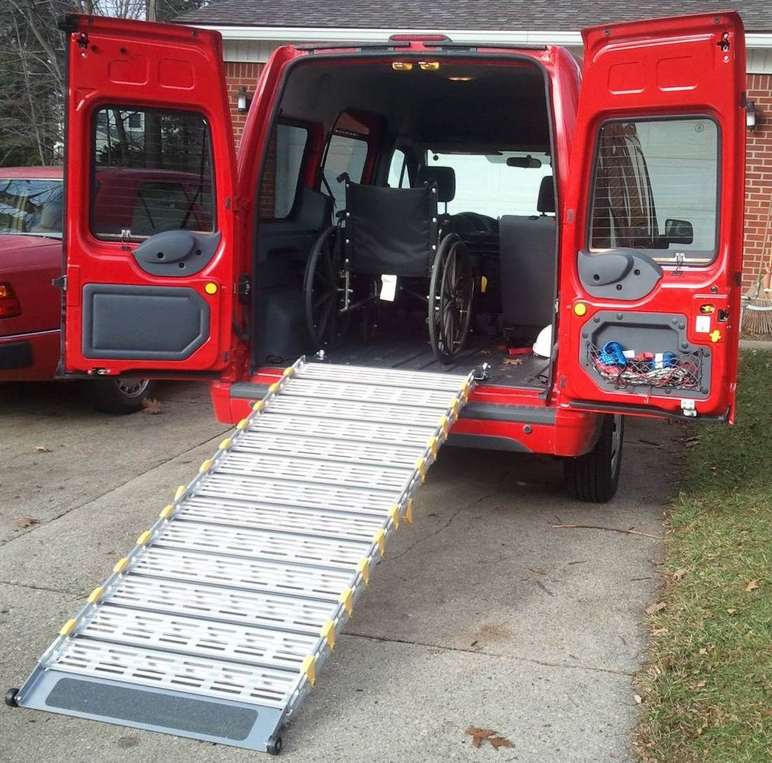 10 Ford Transit 15str Minibus: Portable Van Ramps