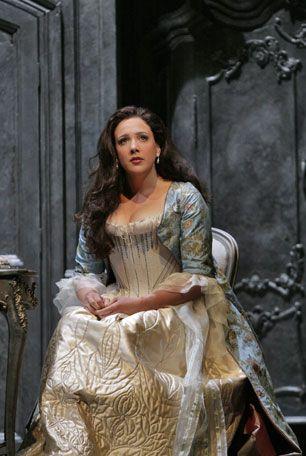Susanna Phillips... just gorgeous