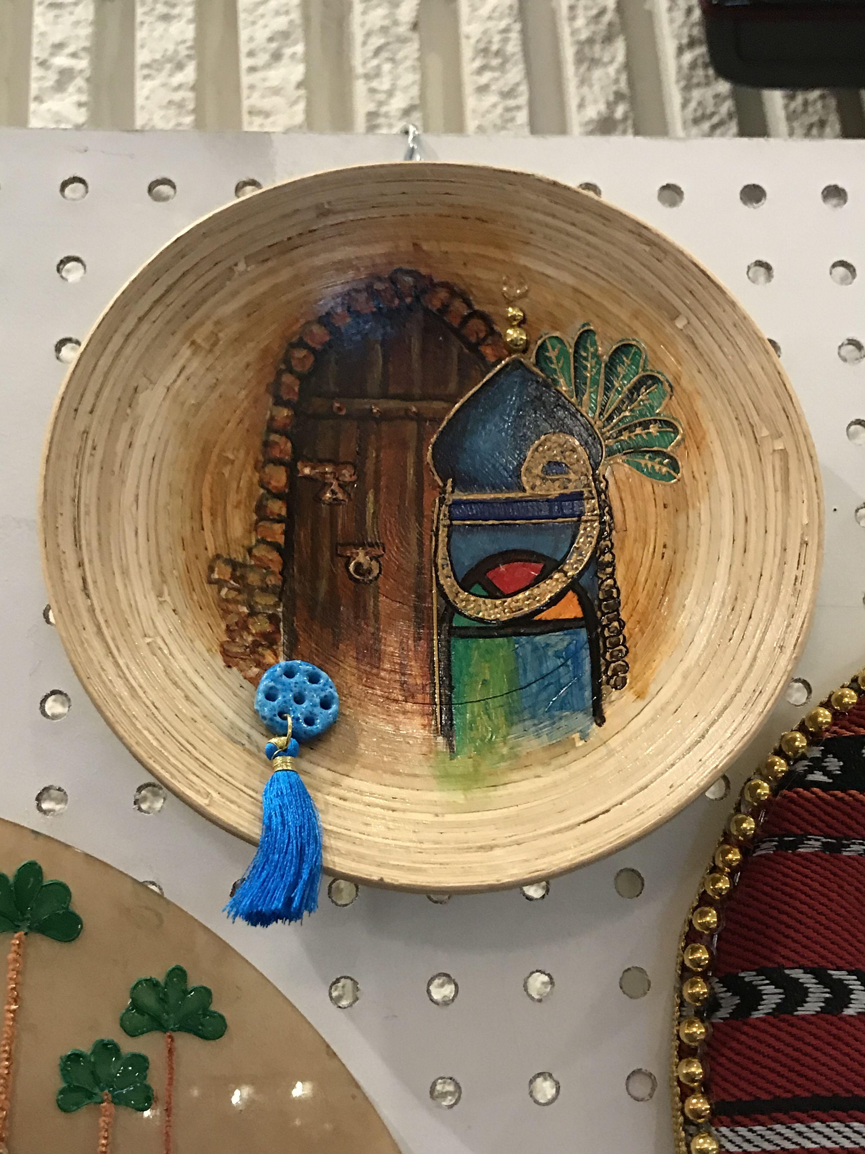 بغداديات صحن خشب سبع عيون تراثيات الوان زجاج على الخشب Art Baghdadi Human Body Crafts Art Window Cards