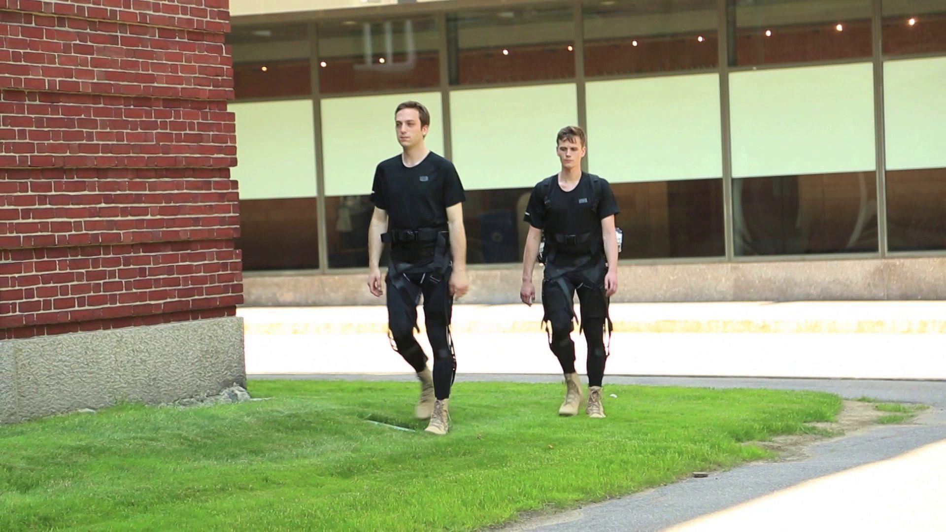 Harvard and DARPA build fabric-based robotic exoskeleton