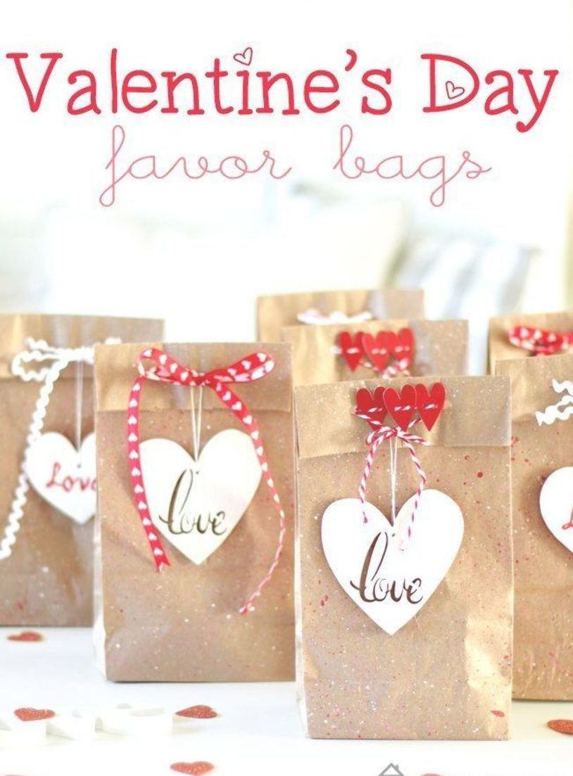 Red Hearts Valentine/'s Day Party Favor Bags Small Cello Treat Sacks