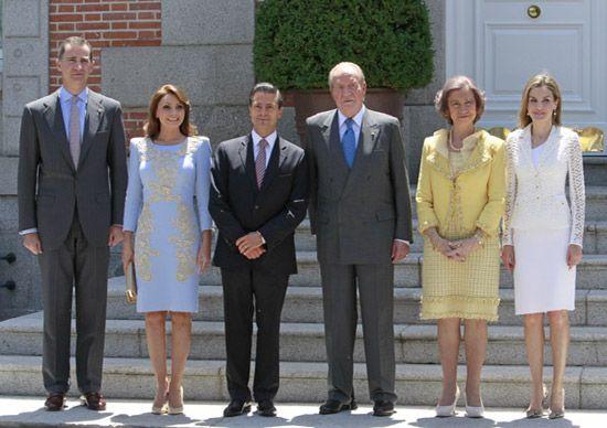 La Familia Real despide el reinado de don Juan Carlos y doña Sofía con una semana llena de actos #realeza #royalty