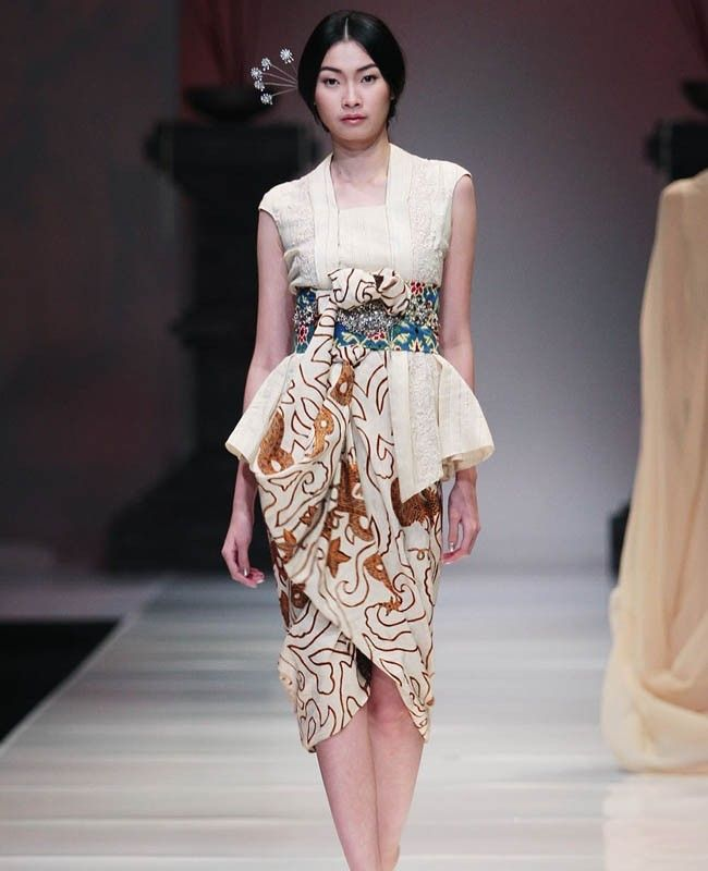 Baju Batik Ala Artis: Inspirasi #Model #Kebaya #Modern Ala #Kimono Jepang