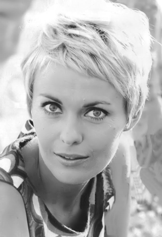 Pixie Haircut Jean Seberg Pin On Style Icons