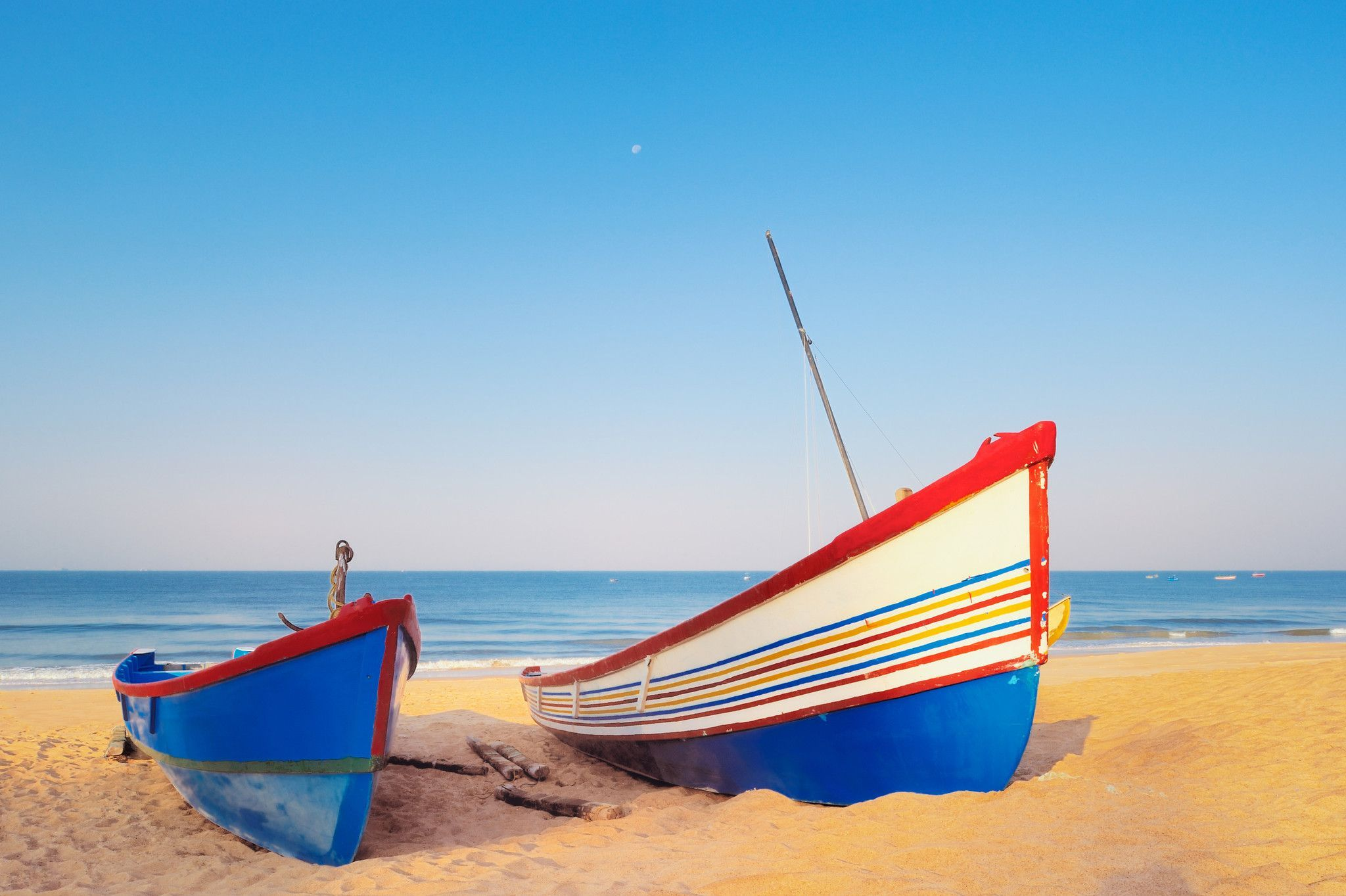 Colorful Boats On Shore Sailcloth Print Sailing Outfit