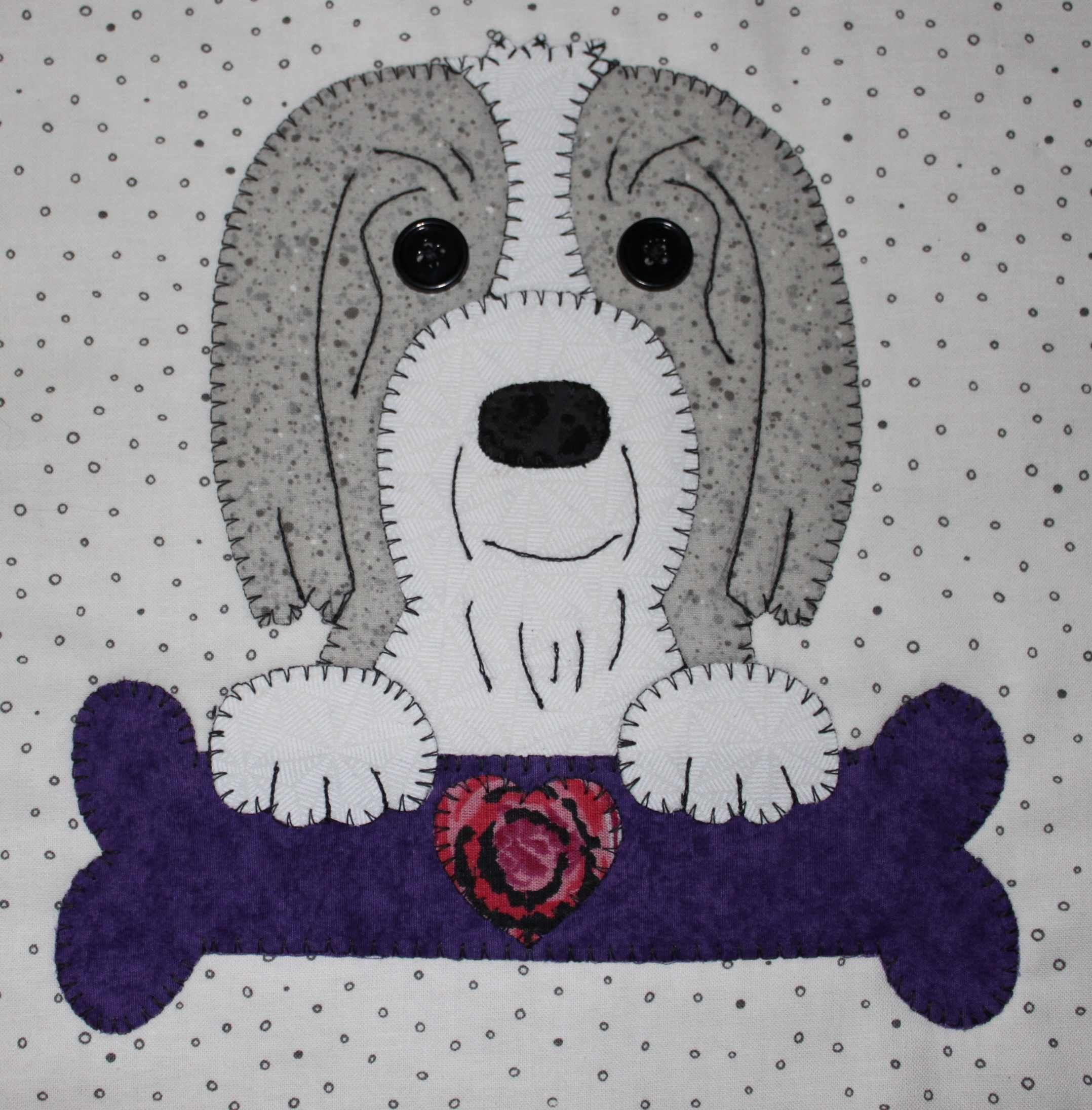 English Sheepdog applique wall hanging. Dog quilt.
