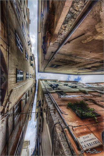 Genova vicoli 2012-04-25 104355