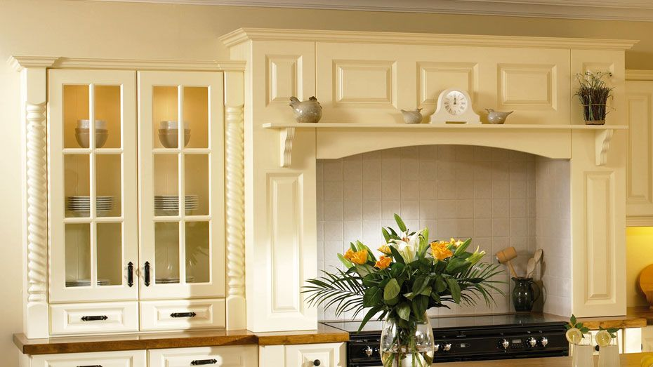 kitchen cabinet cornice how fit pelmet Home Design Idea