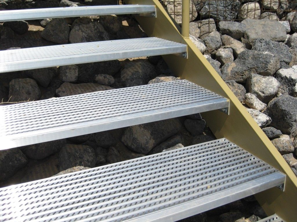 Aluminum stair tread with nosing with images stairs