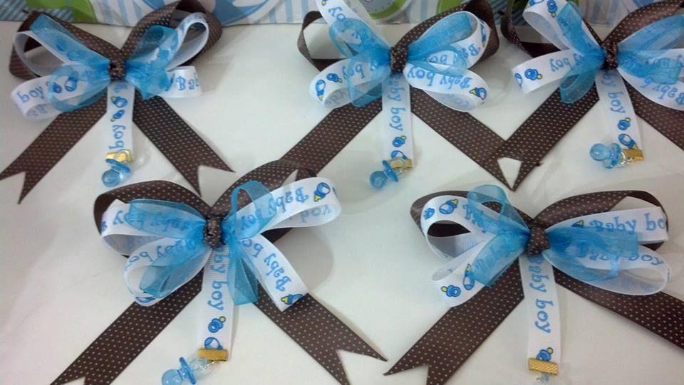 Corsage En Forma De Monito Para Baby Shower En Colores Azul Y Cafe