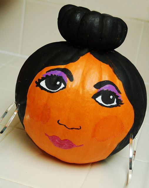 Snooki Halloween pumpkin #Halloween #snooki Swell Life Halloween - halloween crafts decorations