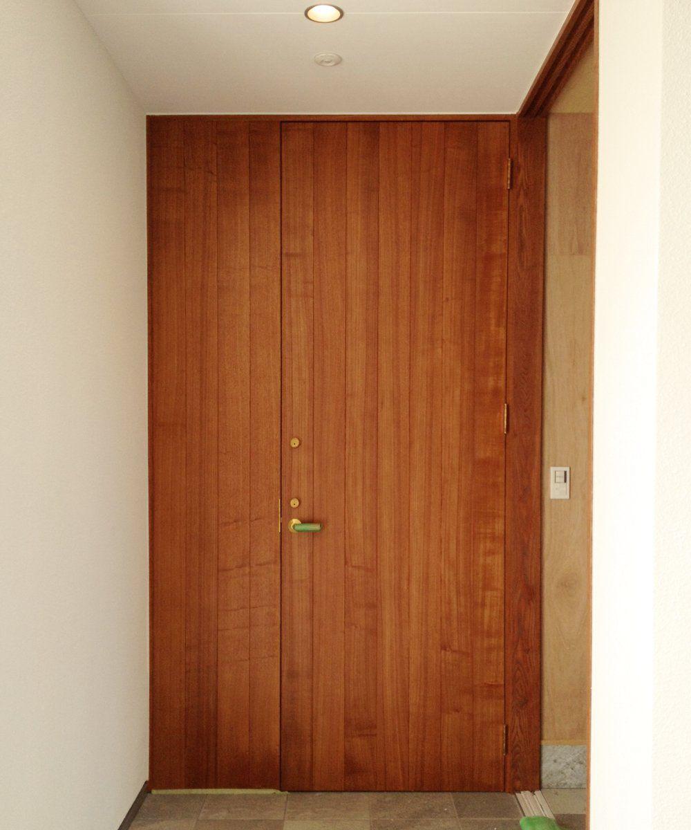 タモ柾目のオーダー玄関ドア 玄関ドア 木製 玄関ドア インテリア 収納