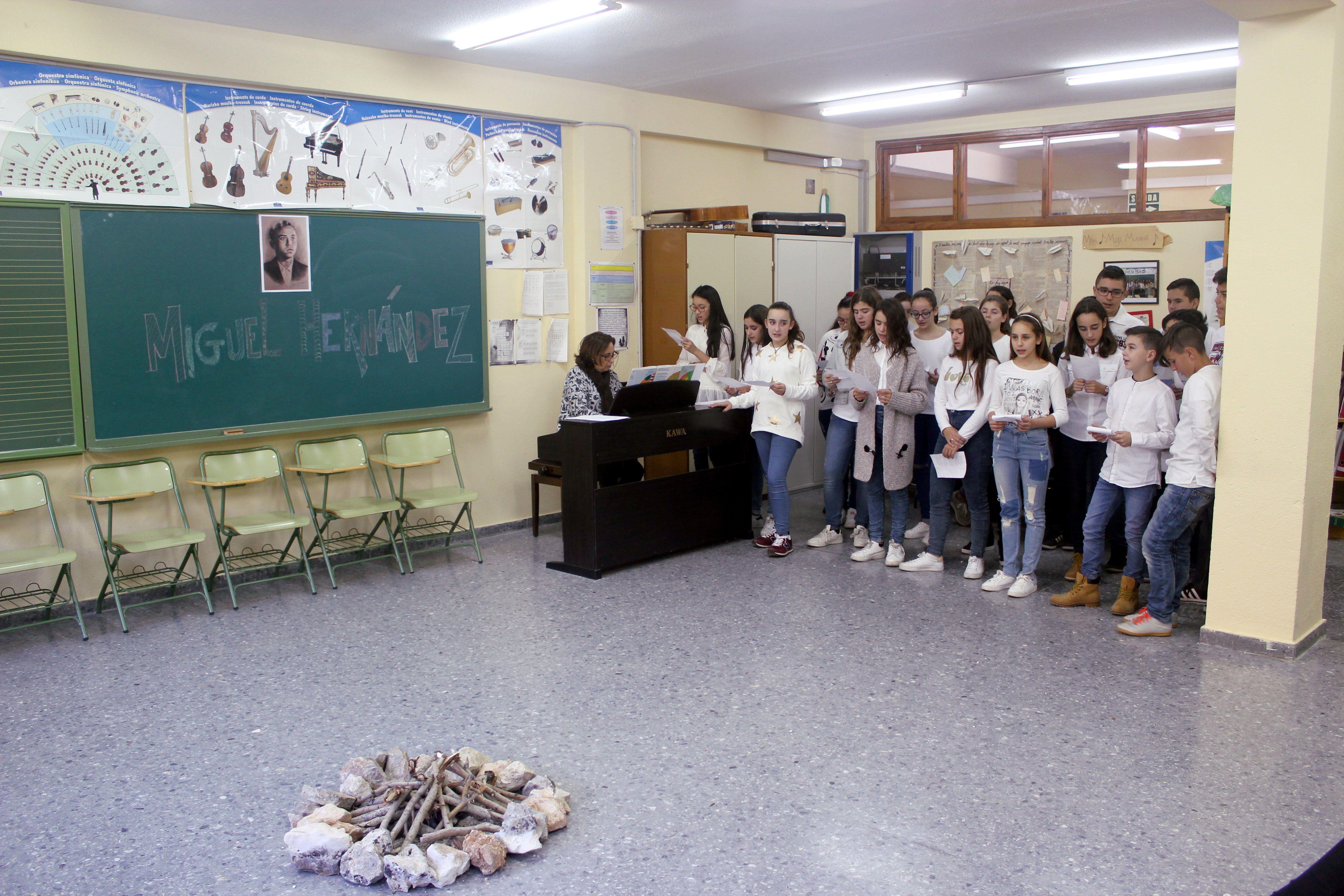 Sala de la vista - Poemas cantados de Miguel Hernández