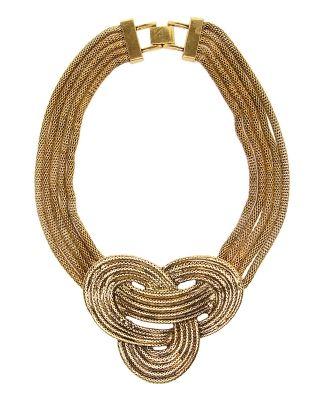 bc28887344c3 Collar Parfois. Collar en tonalidad oro con diseño anudado ...