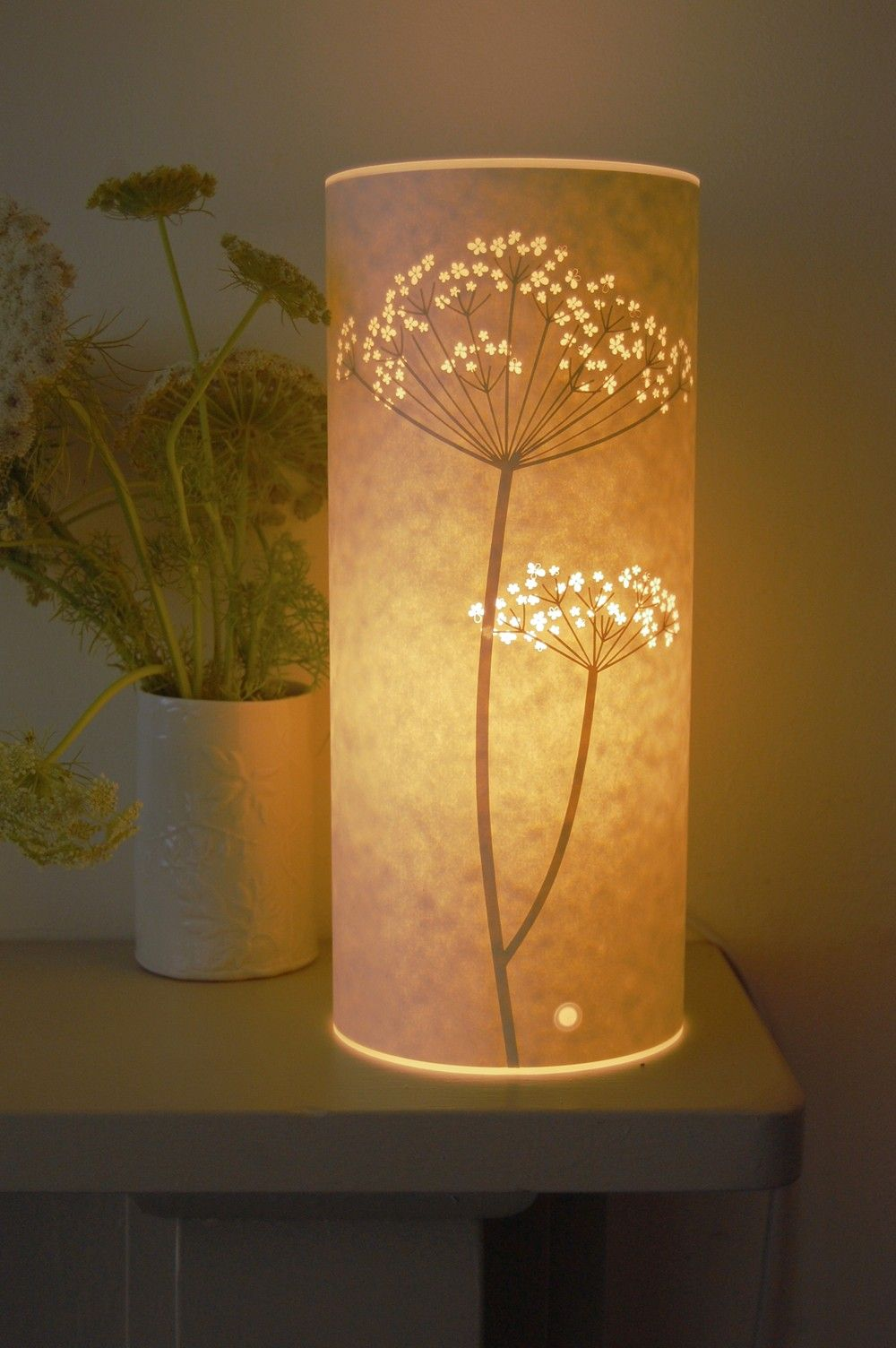 Small Cow Parsley lamp. One day I am going to try making paper cut ... for Creative Paper Lamps  585eri
