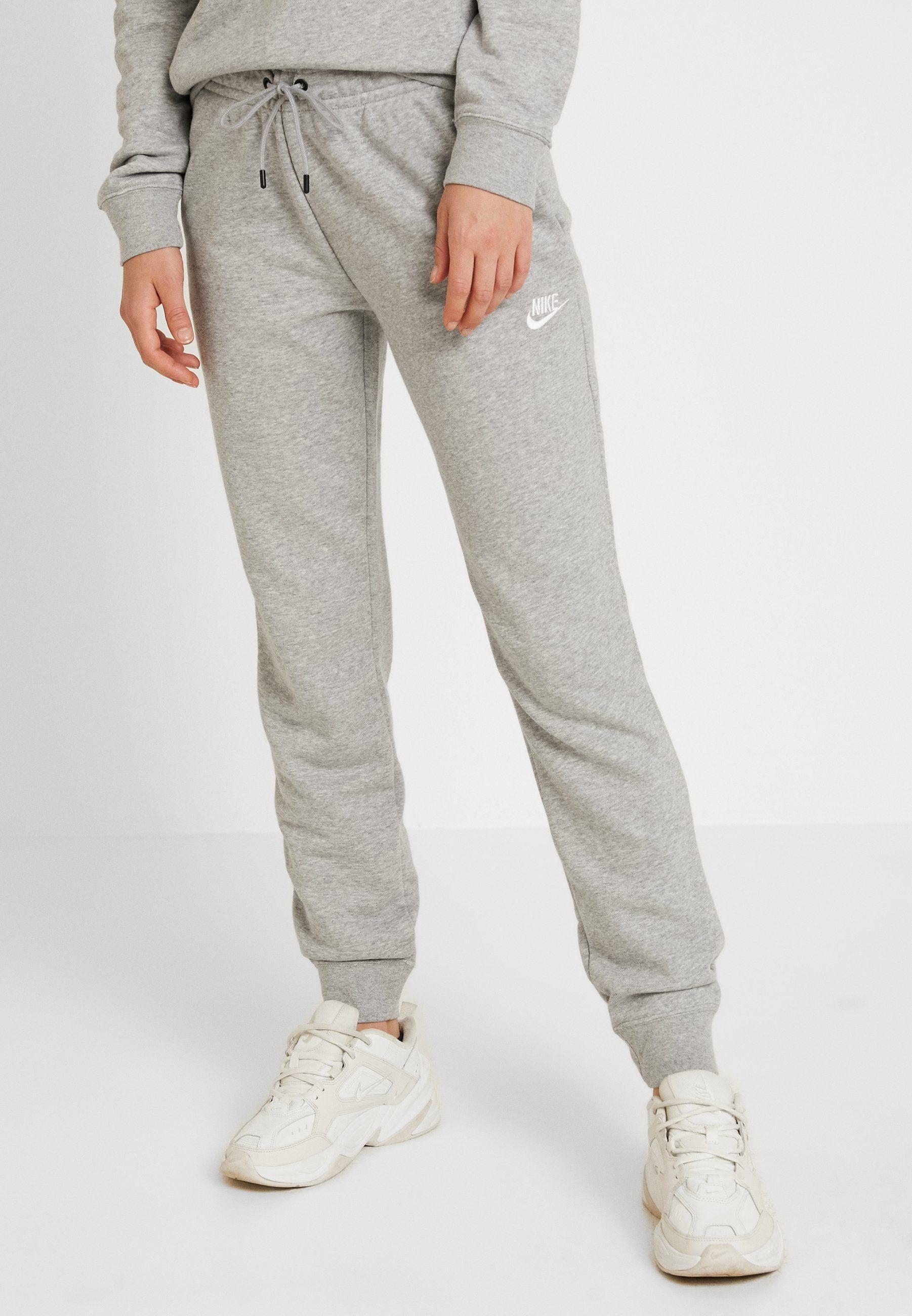 Joggebukse Fra Nike Str S Gjerne Lysgrå Hvit Eller Svart Nike Women Sweatpants Grey Sportswear Grey Nike Joggers