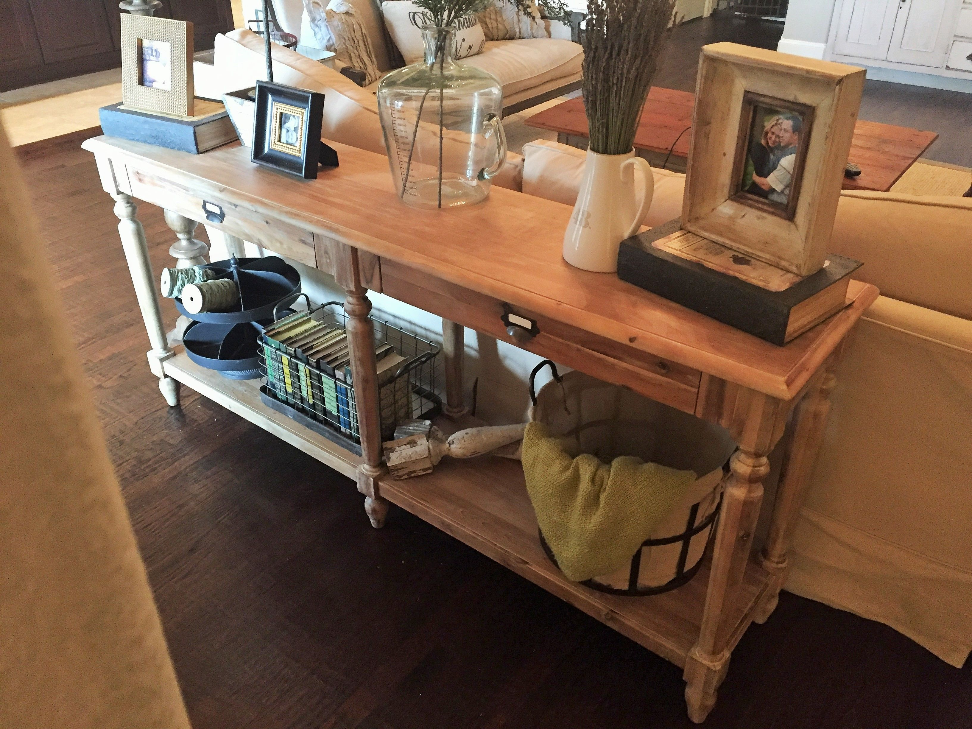 The Perfect Farmhouse Table - House of Hargrove ...