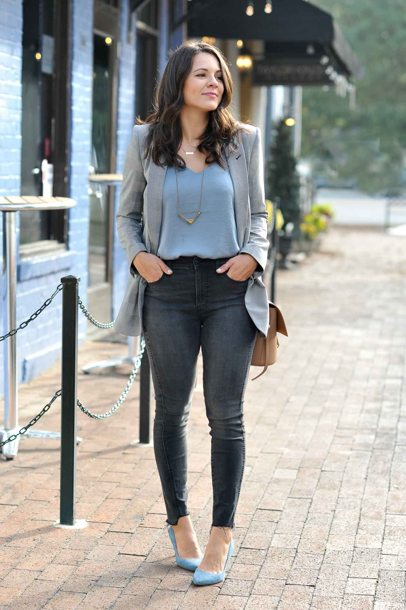 light blue jeans office casual outfits women