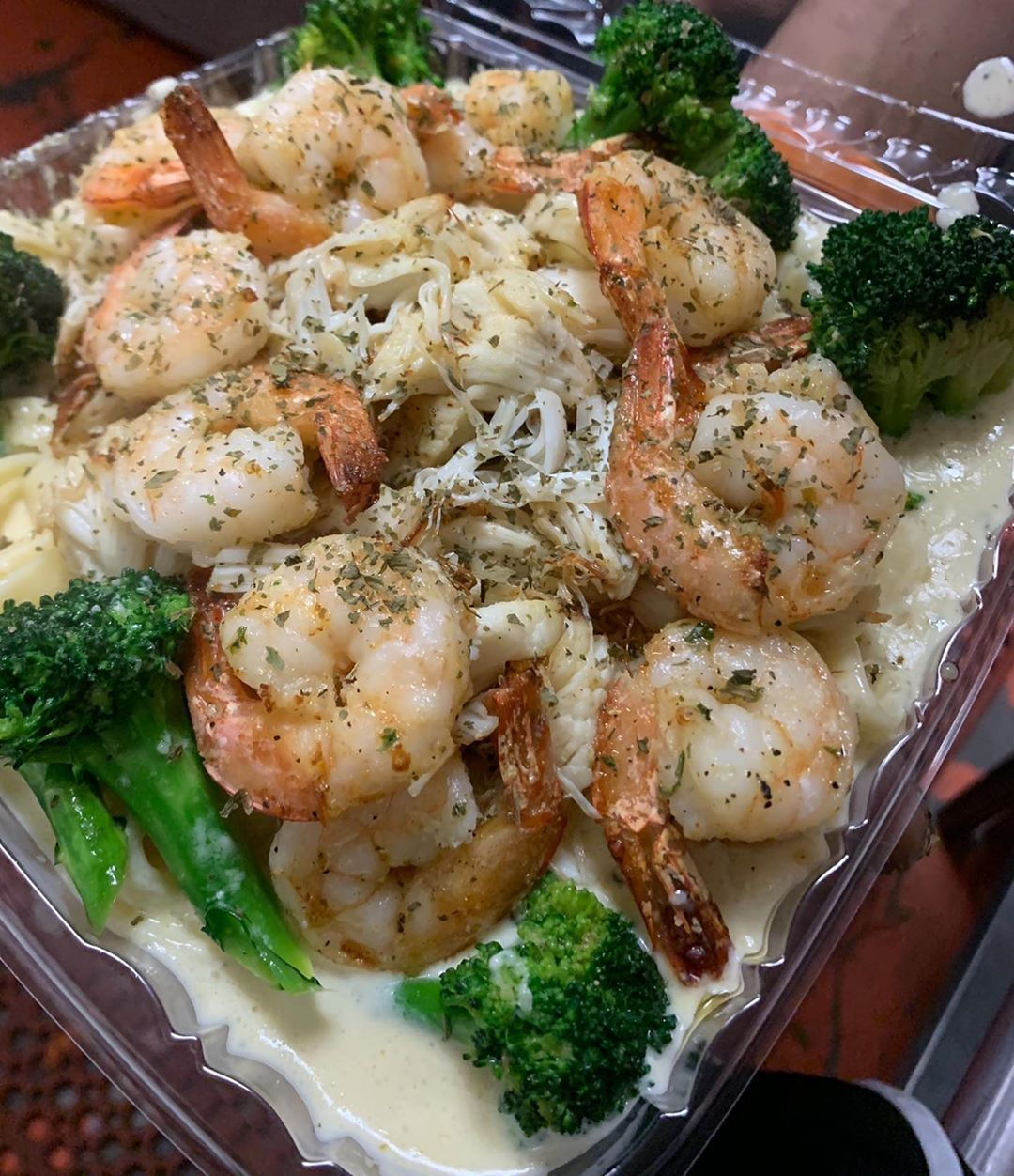 Shrimp Alfredo With Broccoli And Crabmeat