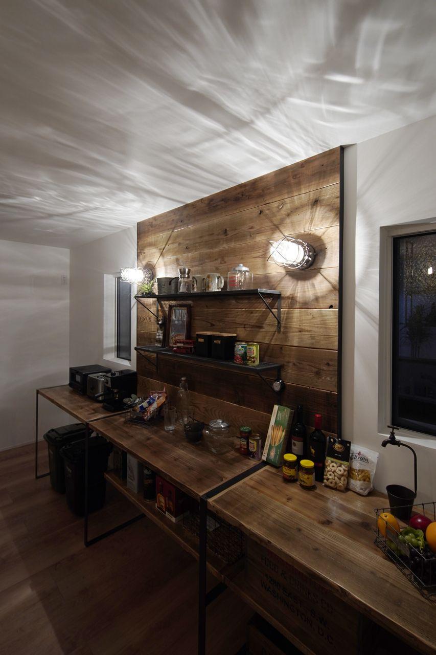 かっこいいキッチン後ろの収納棚 キッチン 注文住宅 収納棚