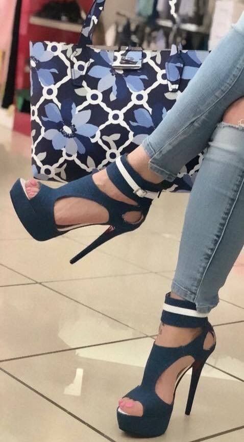 5a3f4429f76 Pin ni Laura Gerszewski sa Shoes | Shoes, High shoes at Shoe boots