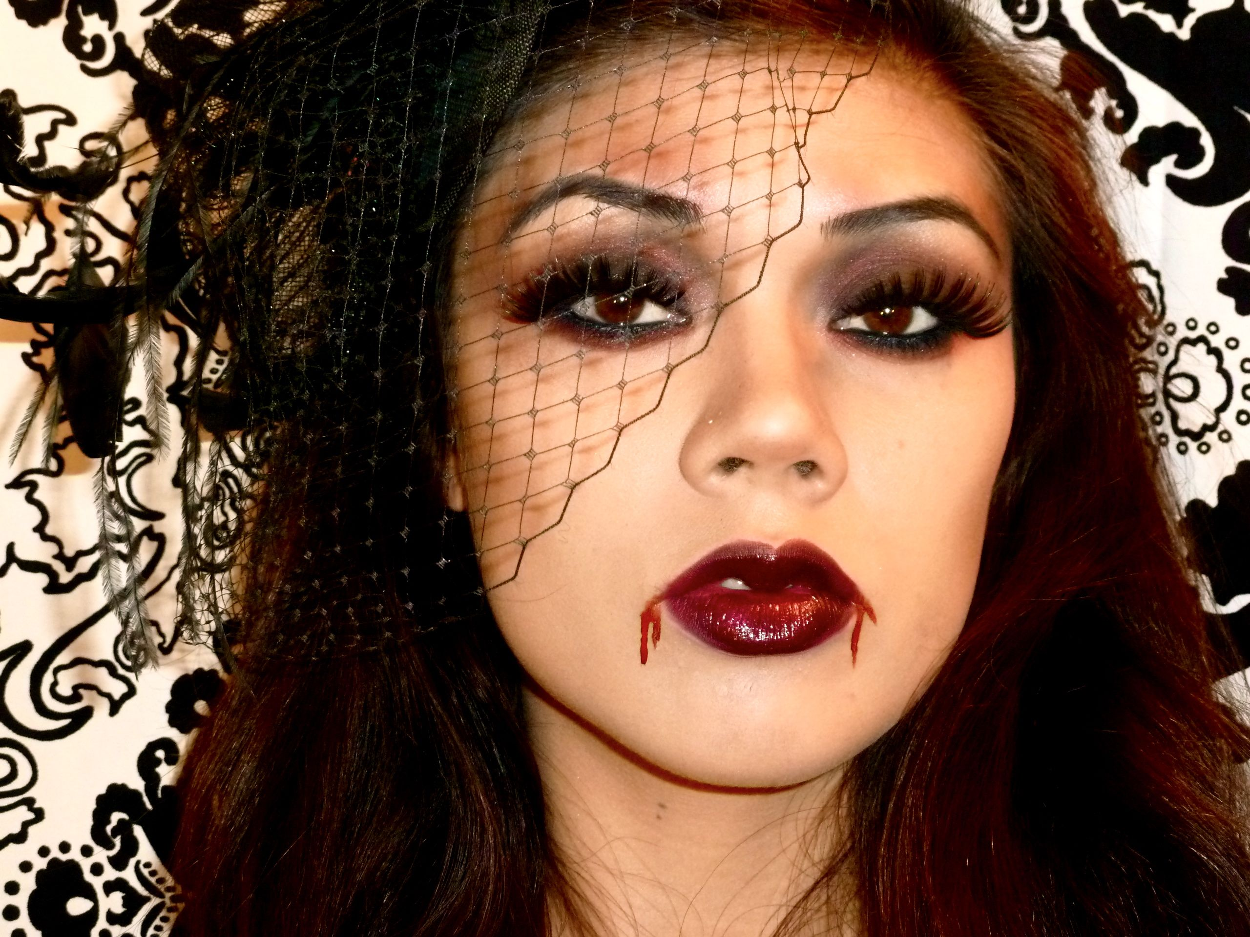 Pretty Scary: The Hottest Halloween Make up Ideas: LOOK 1: VAMPIRE