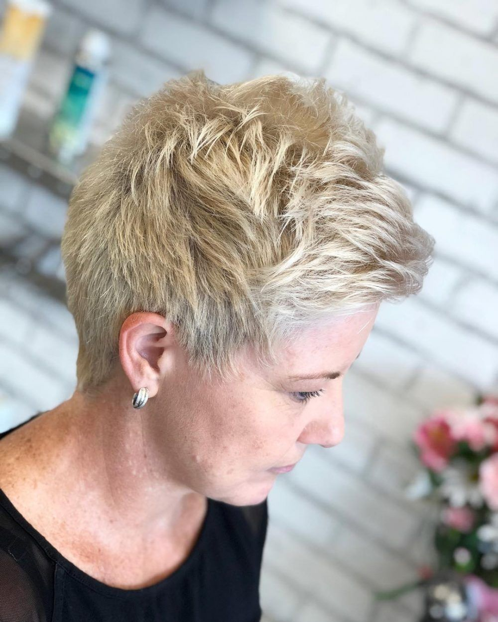 short straight hairstyles trending right now updated for