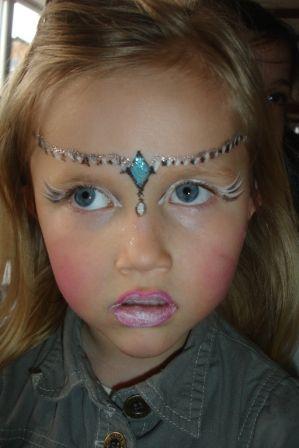 maquillage reine princesse maquillage pinterest maquillage princesse maquillage et. Black Bedroom Furniture Sets. Home Design Ideas