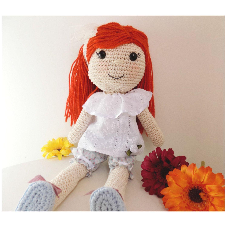 Muñeca tejida a mano. Handmade doll. Juguete amigurumi de MrCatcreaciones en Etsy