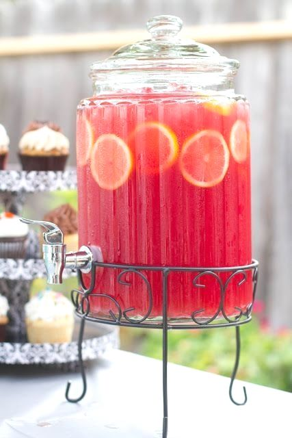 Recipe for Pink Lemonade Sparkling Fruit Punch - We made the best juice mixture I've ever tasted. Hands down. A perfectly refreshing non-alcoholic beverage that was sweet and sparkly with just the…More #pinklemonade
