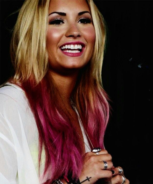 Demi Lovatos Ombre Hair Long Hair Dont Care - Demi lovato ombre hair