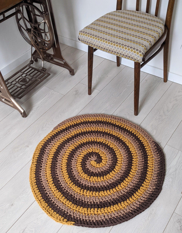 Brown Yellow Bee Honey Round Rug Crochet Swirl Circle Retro Bedroom Nursery Rug Accent Home Decor In 2020 Round Rugs Nursery Rugs Retro Bedrooms