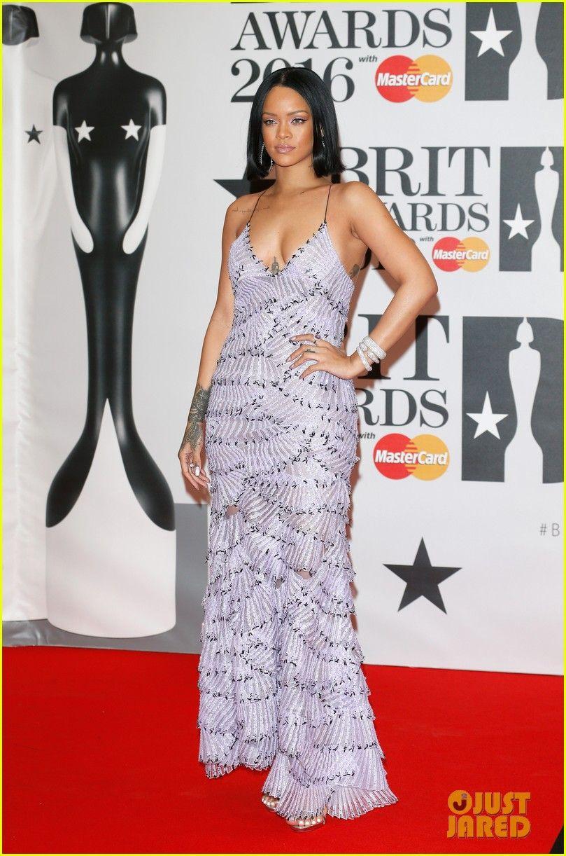 Rihanna Walks the Red Carpet at BRIT Awards 2016! | rihanna brit awards 2016 red carpet 01 - Photo